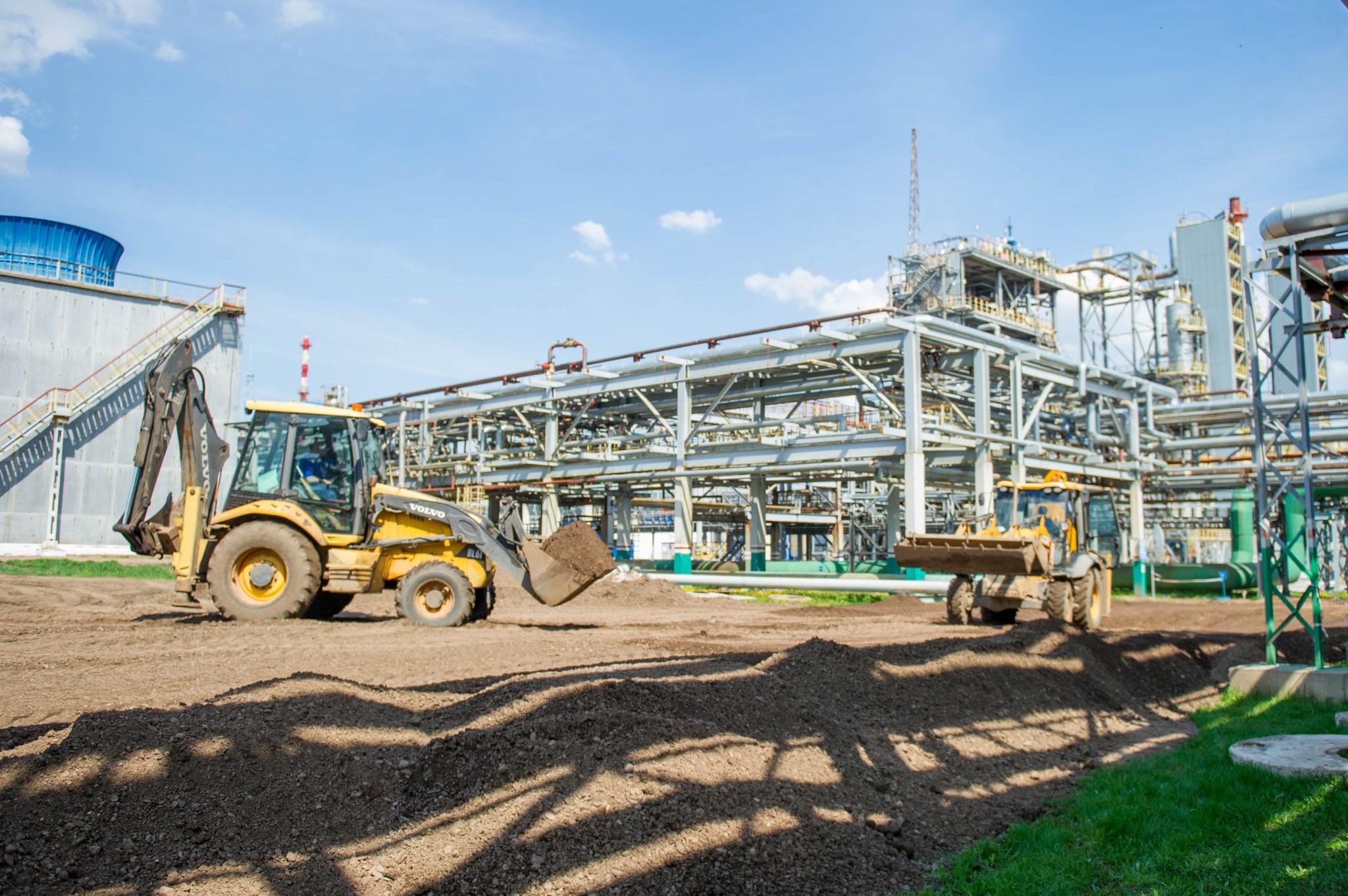 Работы по устройству временной дороги для крана, грузоподъемностью в 1350 тонн.